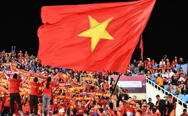 Văn Lâm cản phá 11 m, Việt Nam hòa Thái Lan ở vòng loại World Cup-11