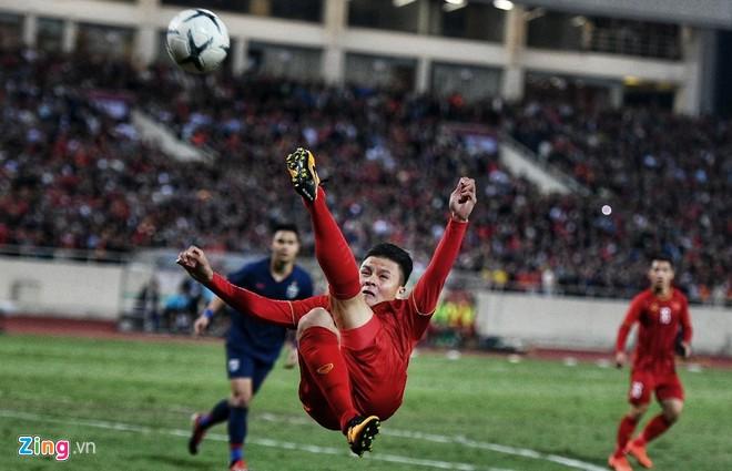Văn Lâm cản phá 11 m, Việt Nam hòa Thái Lan ở vòng loại World Cup-9