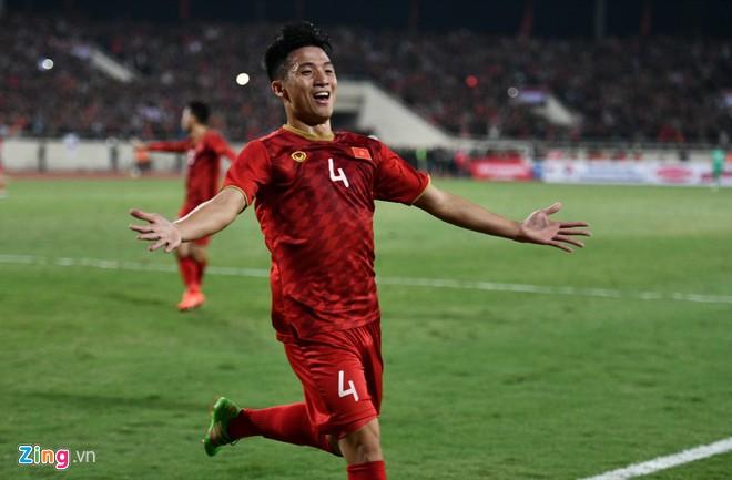 Văn Lâm cản phá 11 m, Việt Nam hòa Thái Lan ở vòng loại World Cup-6