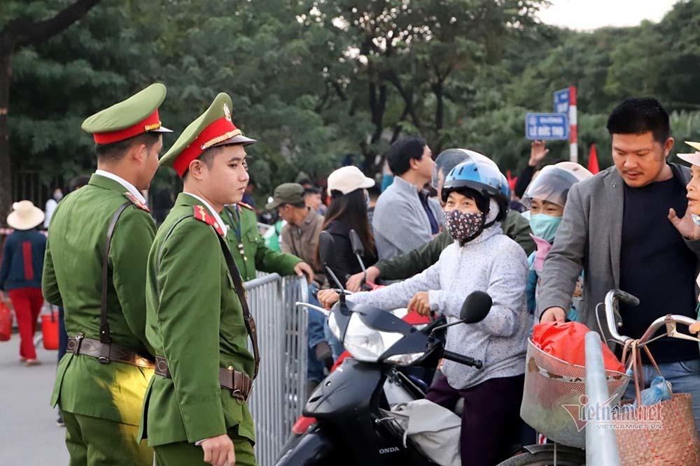 An ninh dày đặc quanh SVĐ Mỹ Đình trước trận Việt Nam vs Thái Lan-1