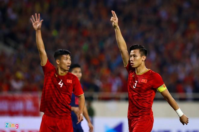 Văn Lâm cản phá 11 m, Việt Nam hòa Thái Lan ở vòng loại World Cup-3