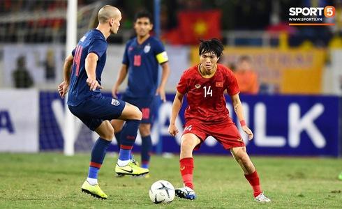 Văn Lâm cản phá 11 m, Việt Nam hòa Thái Lan ở vòng loại World Cup-1