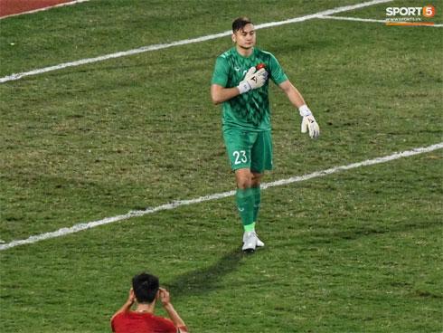 TRỰC TIẾP Việt Nam 0-0 Thái Lan: Văn Hậu lăn xả giải nguy
