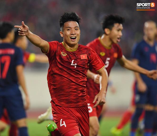 Bị tước bàn thắng, cầu thủ Việt Nam phản ứng dữ dội cho tới khi nhận ra điều này-5