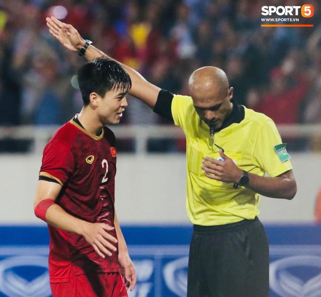 Bị tước bàn thắng, cầu thủ Việt Nam phản ứng dữ dội cho tới khi nhận ra điều này-8