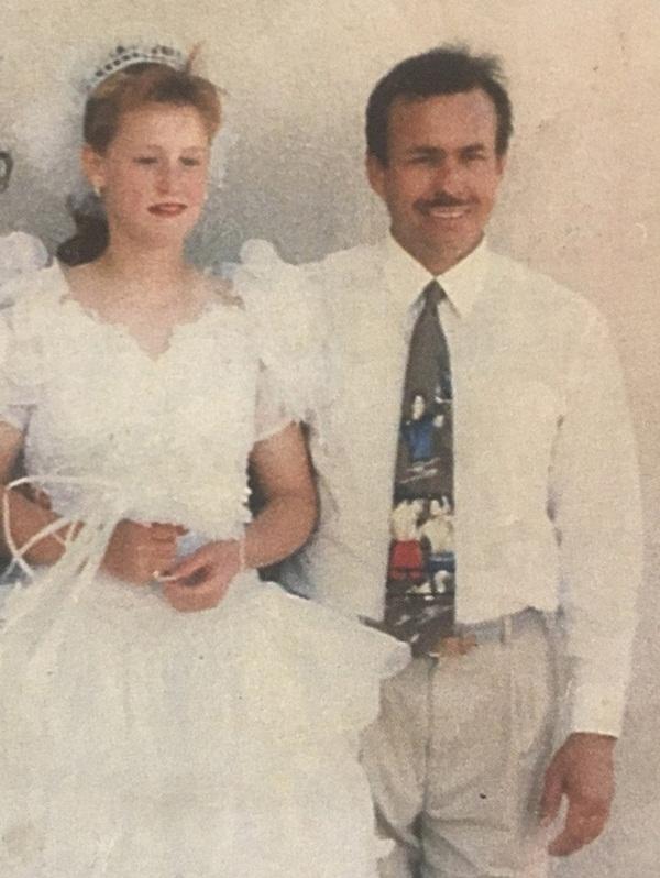 Bị cha dượng bắt cóc và ép kết hôn khi mới 11 tuổi, người phụ nữ phải sống trong 19 năm với nỗi ám ảnh kinh hoàng cùng 9 đứa con-2