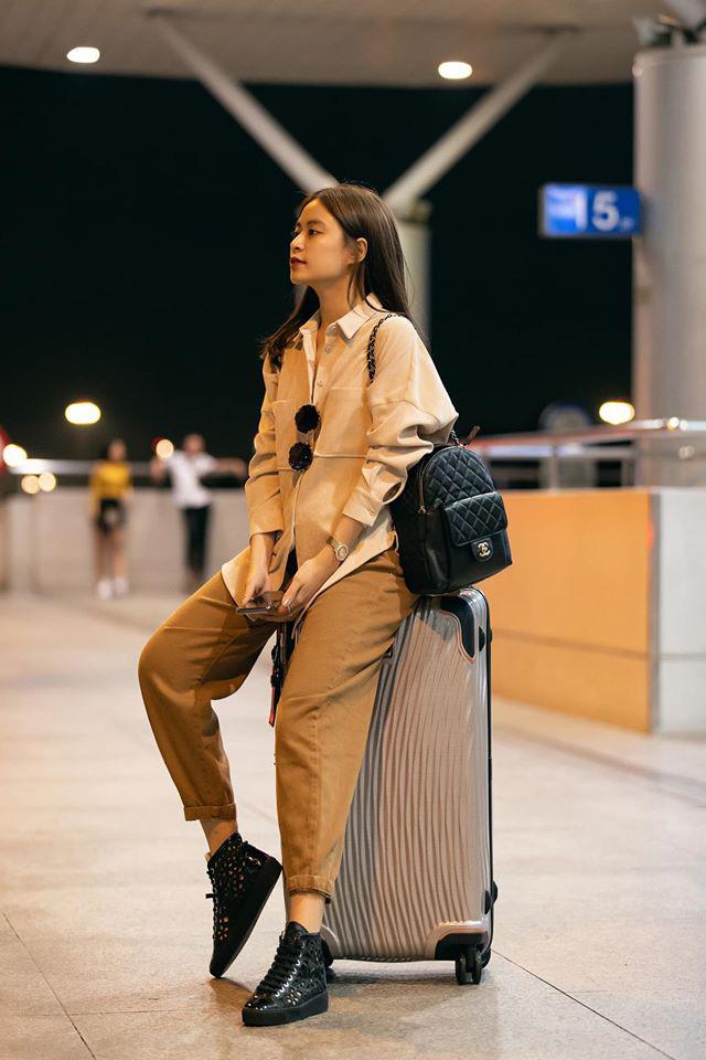 Street style sao Việt: Phạm Quỳnh Anh ăn vận như teen girl, HH Thu Thảo diện váy thùng thình cứ như đang bầu tập 2-16