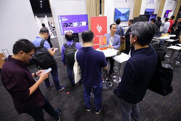 VinSmart 'bắt tay' ông lớn Google ra mắt ti vi thông minh-4