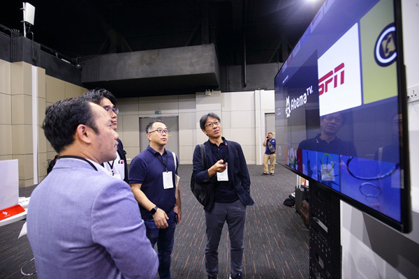 VinSmart 'bắt tay' ông lớn Google ra mắt ti vi thông minh-5