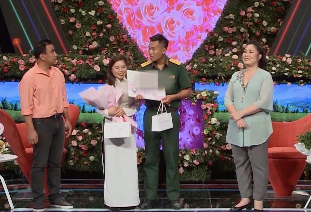 Bạn muốn hẹn hò: Bắt tay cùng Quyền Linh làm bà mối, NSND Hồng Vân nhận phản ứng bất ngờ từ khán giả-2