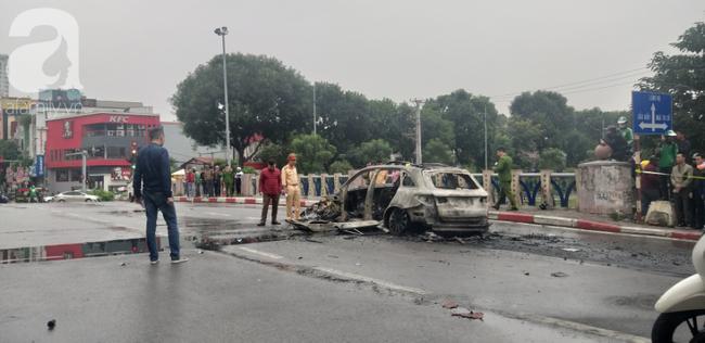 Vụ Mercedes kéo nhiều xe máy bốc cháy, khiến 1 nạn nhân tử vong: Chiếc xe ô tô chồng mới mua vài ngày giao cho vợ sử dụng-2