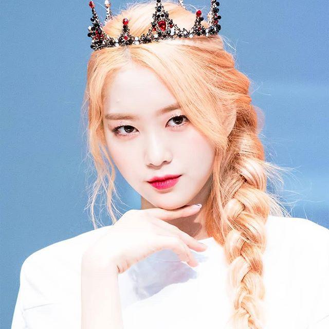 Nhan sắc nữ thần tóc vàng mới của Kpop-12