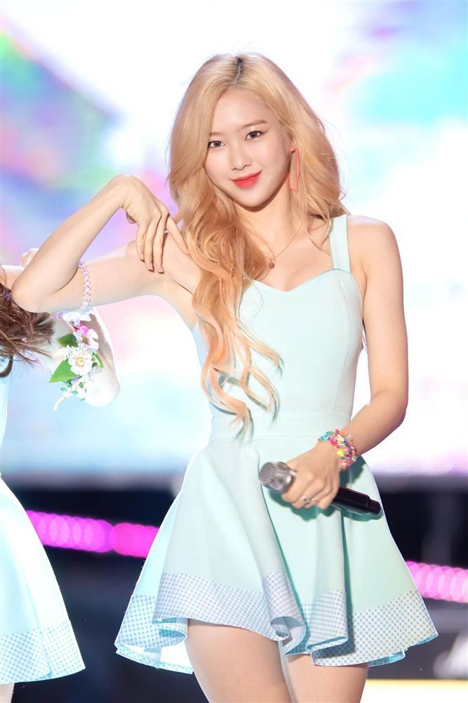 Nhan sắc nữ thần tóc vàng mới của Kpop-13