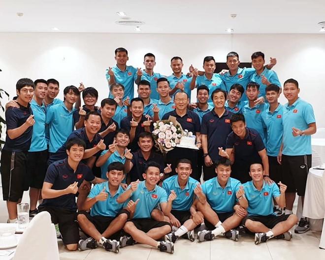 Ngày 20/11, tri ân HLV Park - người thầy của các cầu thủ Việt Nam-12
