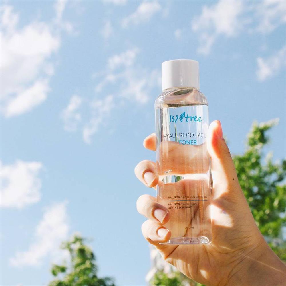 Chăm da cật lực mà thiếu một chai toner cấp ẩm thì da bạn vẫn khó ẩm mượt trong mùa hanh khô này được-4