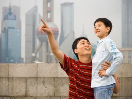 """Nhà mình có giàu không ạ?"""": Câu trả lời khác nhau của 2 ông bố khiến cuộc đời con cái rẽ theo 2 hướng trái ngược-2"""
