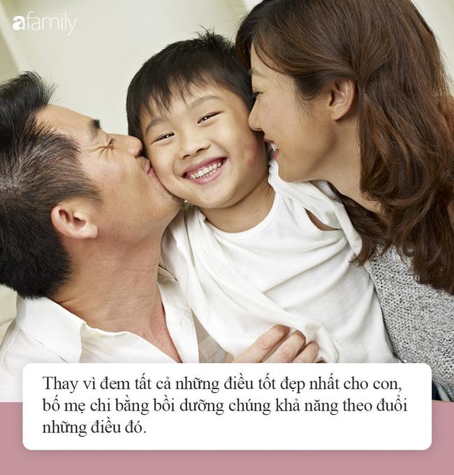 """Nhà mình có giàu không ạ?"""": Câu trả lời khác nhau của 2 ông bố khiến cuộc đời con cái rẽ theo 2 hướng trái ngược-3"""