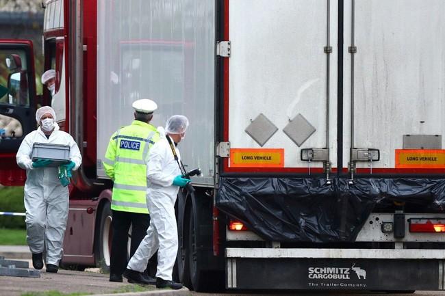 Chính phủ ứng trước chi phí đưa 39 người thiệt mạng ở Anh về nước-1