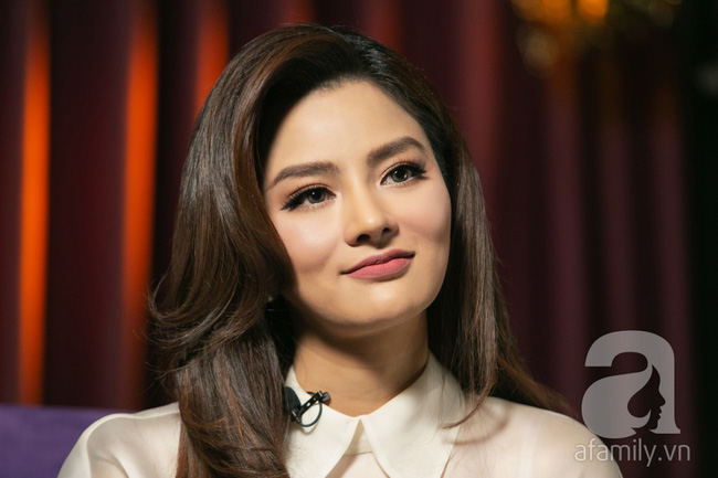 Vũ Thu Phương: Lấy chồng đại gia Campuchia, nuôi 2 con riêng, có mâu thuẫn là mời mẹ chồng - em chồng ra nói chuyện-9
