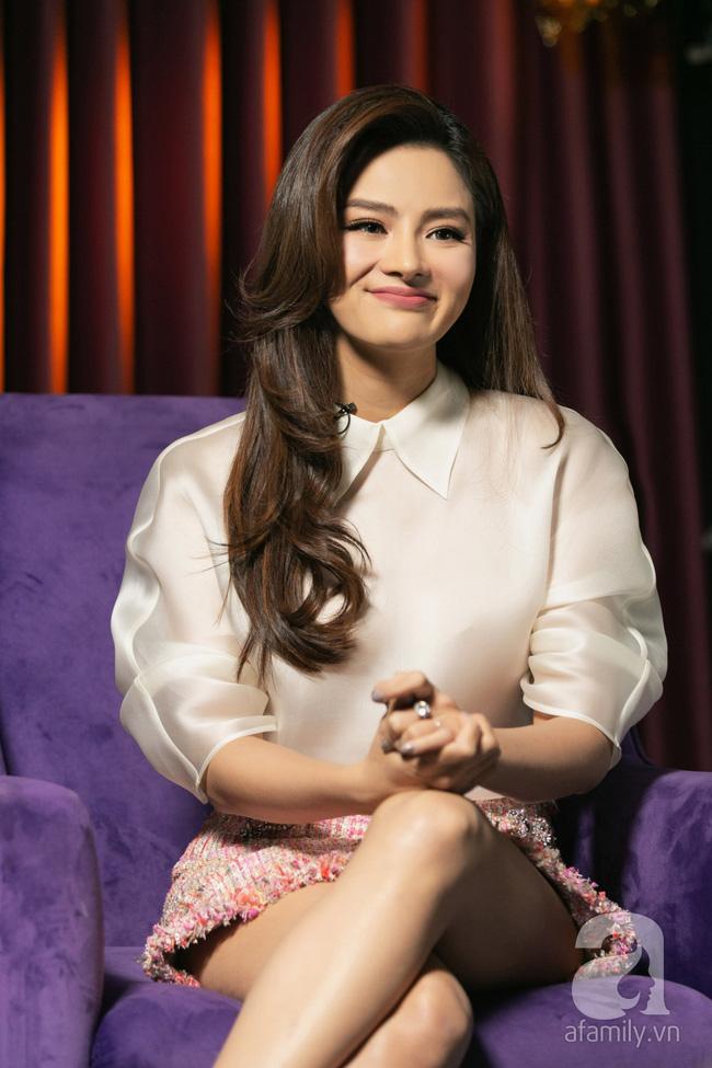 Vũ Thu Phương: Lấy chồng đại gia Campuchia, nuôi 2 con riêng, có mâu thuẫn là mời mẹ chồng - em chồng ra nói chuyện-8