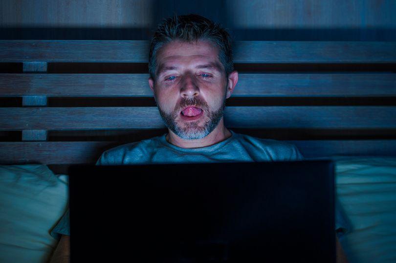 Xem phim khiêu dâm online, bạn phải trả giá những gì?-4