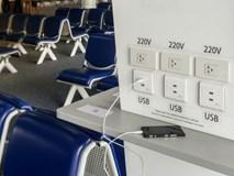 Đừng sạc điện thoại tại các trạm sạc công cộng, ví dụ như sân bay