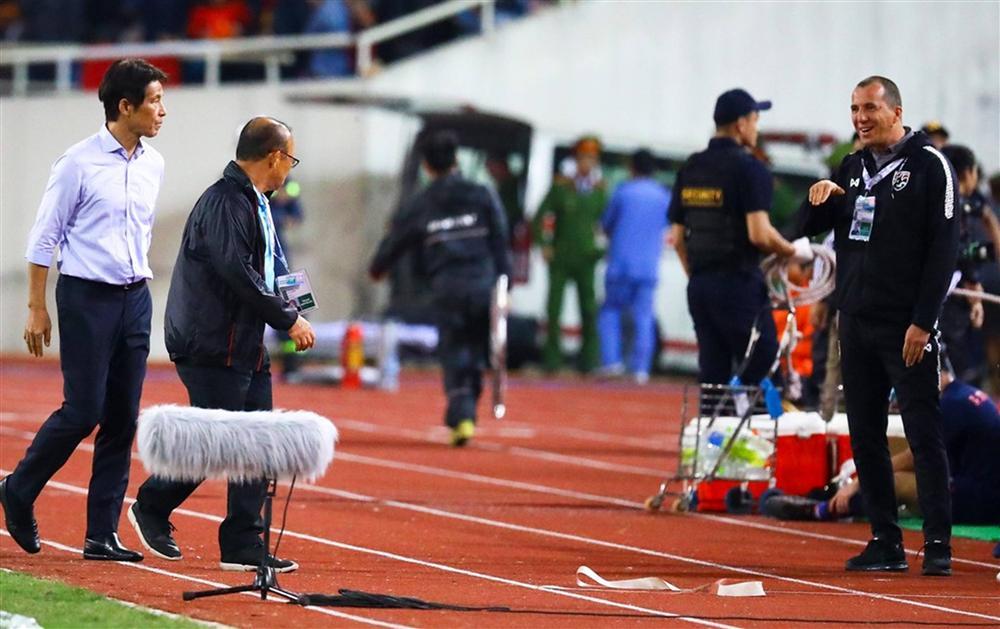 Phải đưa trợ lý tuyển Thái Lan lên FIFA xử nặng-1