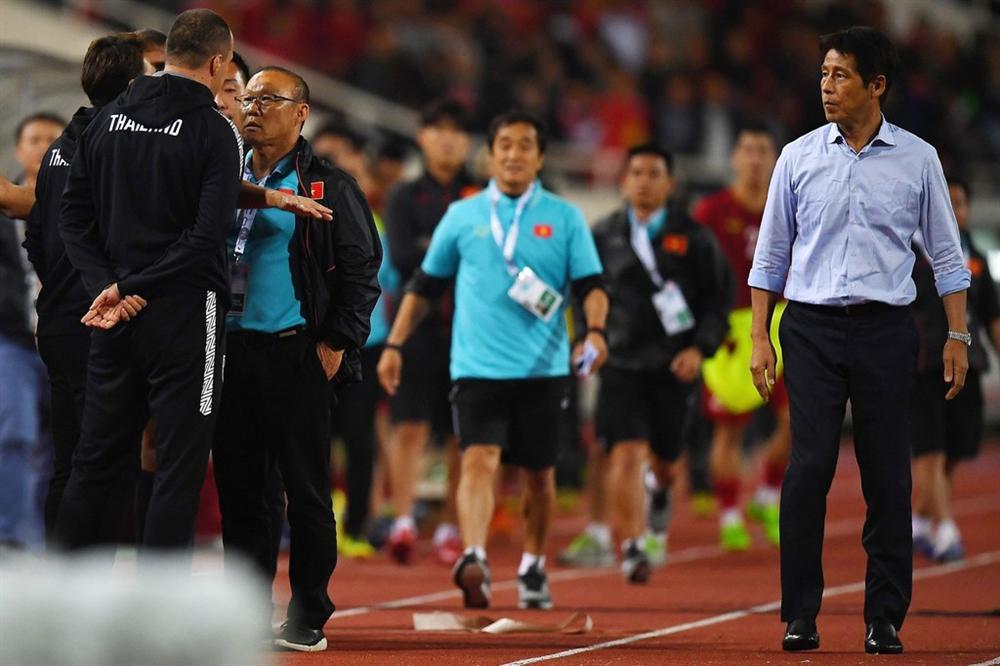Phải đưa trợ lý tuyển Thái Lan lên FIFA xử nặng-2