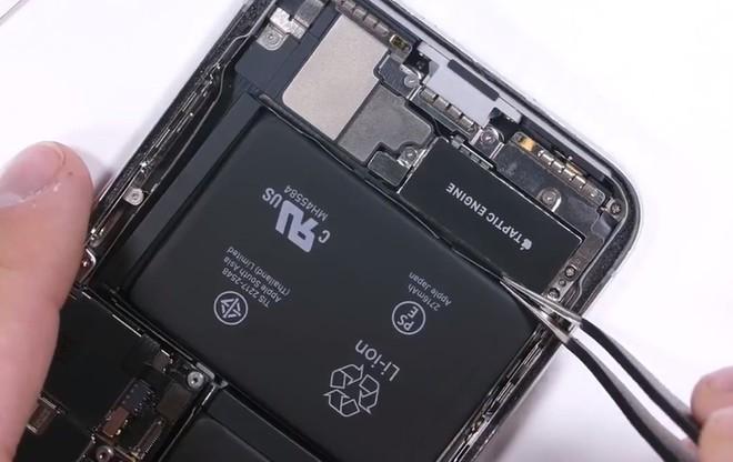 Apple nói sửa iPhone bị lỗ vốn, giá linh kiện iPhone tại VN thế nào?-1
