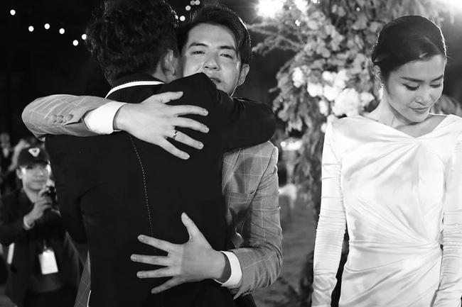 Những thước hình chưa từng hé lộ trong lễ cưới Đông Nhi - Ông Cao Thắng: Noo Phước Thịnh khóc như mưa, Hari Won bị dìm hàng-5