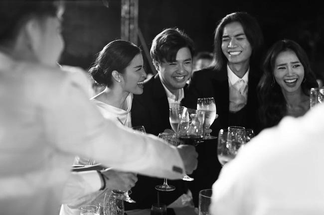 Những thước hình chưa từng hé lộ trong lễ cưới Đông Nhi - Ông Cao Thắng: Noo Phước Thịnh khóc như mưa, Hari Won bị dìm hàng-18
