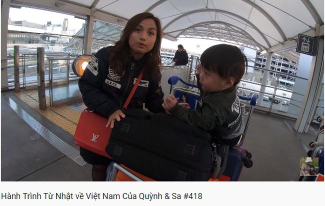 Trọn vẹn hành trình từ Nhật về Việt Nam của mẹ con Quỳnh Trần JP: Vô tình gặp cả người hâm mộ ở sân bay khiến Sa vô cùng ngại ngùng-1