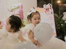 Vẻ đẹp đáng yêu của hai cô con gái  Hoài Lâm