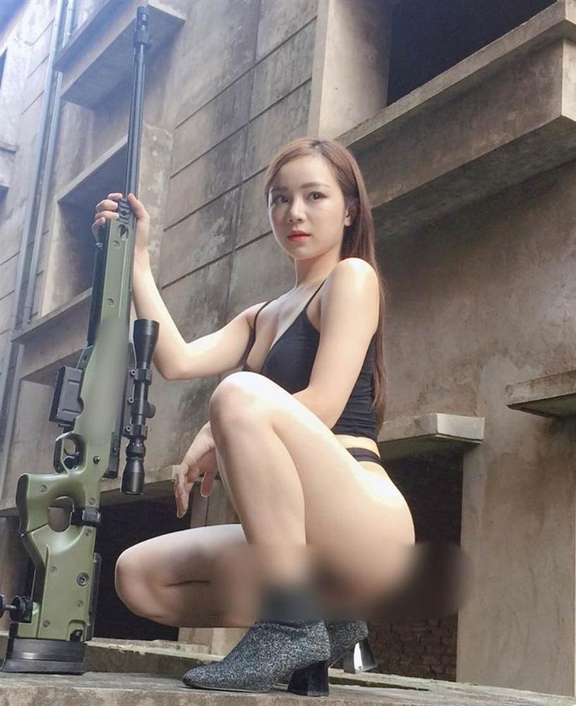 Nhã Tiên - từ hot girl ngủ gật đến cô gái chiêu trò, nghiện khoe thân-10