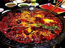 Chảy nước mắt nếm thử những món cay 'xé lưỡi', Việt Nam cũng có 'đại diện'