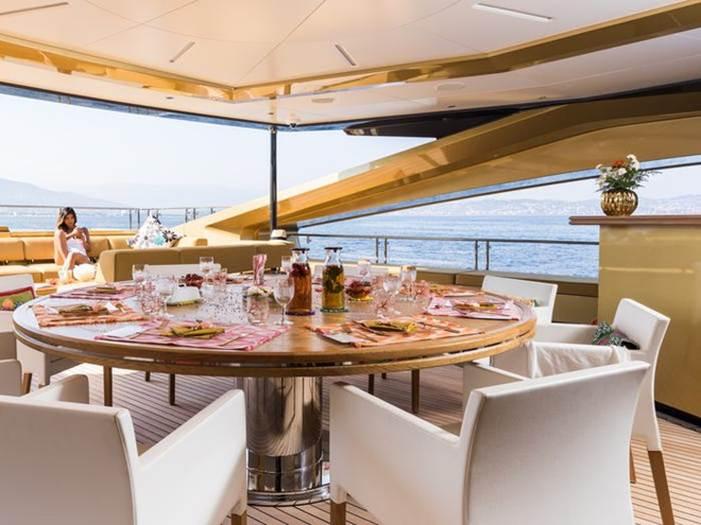 Bên trong du thuyền sang trọng 31 triệu USD được mạ vàng-5