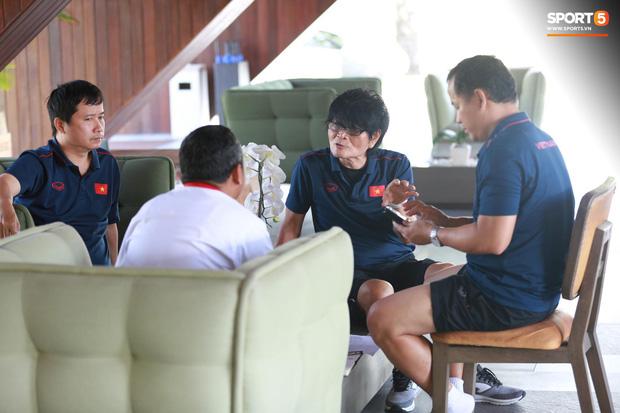 Thần y Hàn Quốc chỉ ra thói quen cố hữu trong ăn uống khiến bóng đá Việt Nam còn chậm phát triển-1
