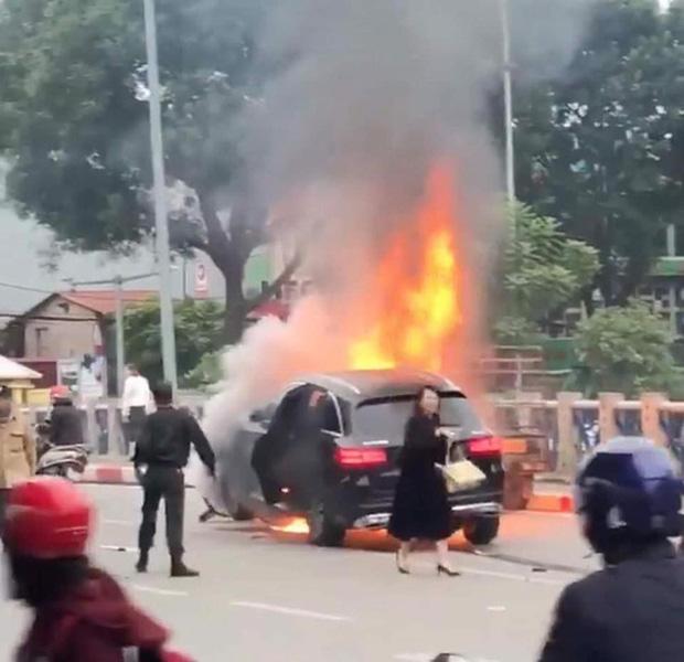 Vụ nữ tài xế Mercedes đi giày cao gót gây tai nạn liên hoàn: Nạn nhân tử vong là thạc sỹ, đi du học Hà Lan về-3