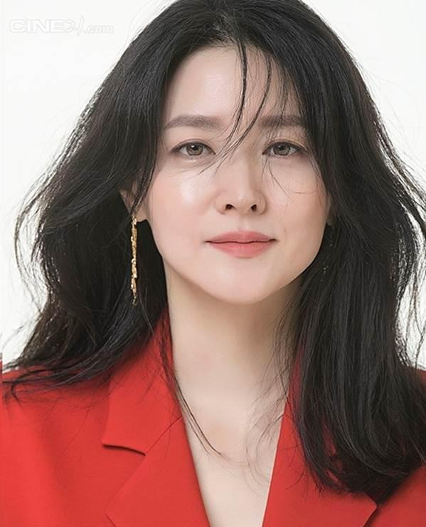 Nàng Dae Jang Geum U50 trẻ đẹp không tì vết-1