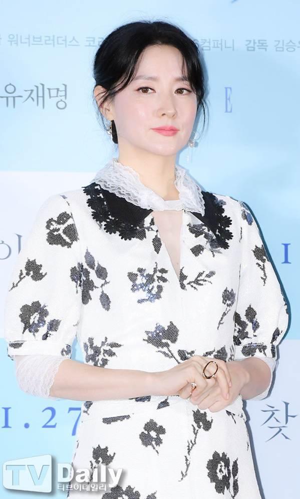 Nàng Dae Jang Geum U50 trẻ đẹp không tì vết-6