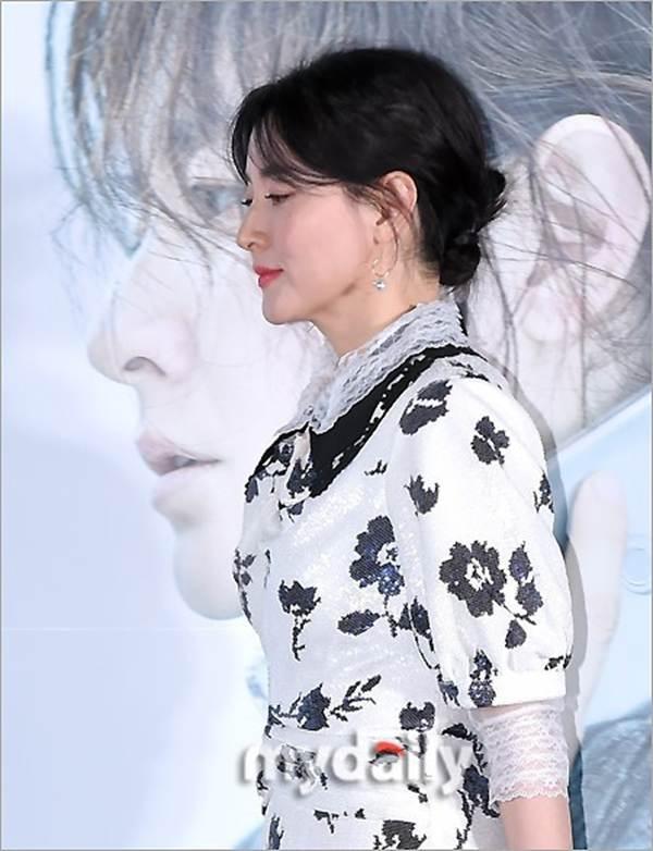 Nàng Dae Jang Geum U50 trẻ đẹp không tì vết-8