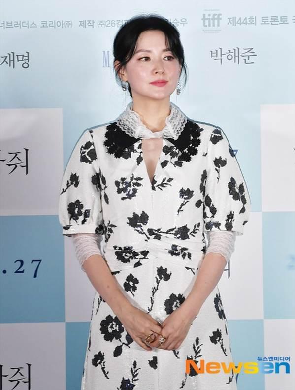 Nàng Dae Jang Geum U50 trẻ đẹp không tì vết-9