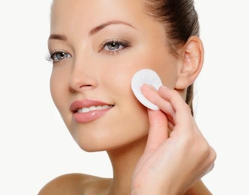 Học ngay cách chăm sóc da dầu mụn đúng cách vào mùa đông-2