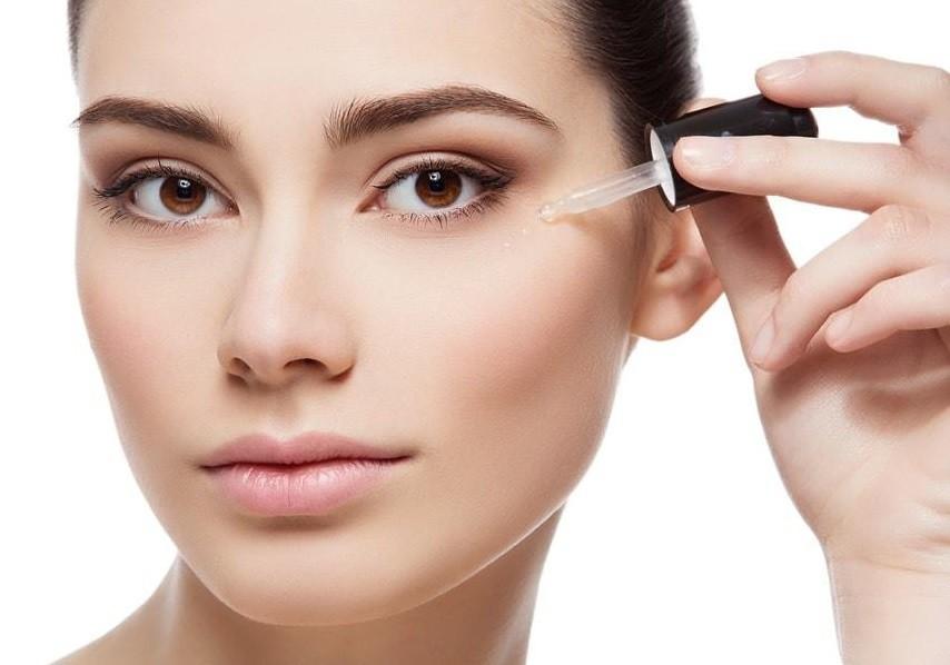 Học ngay cách chăm sóc da dầu mụn đúng cách vào mùa đông-3