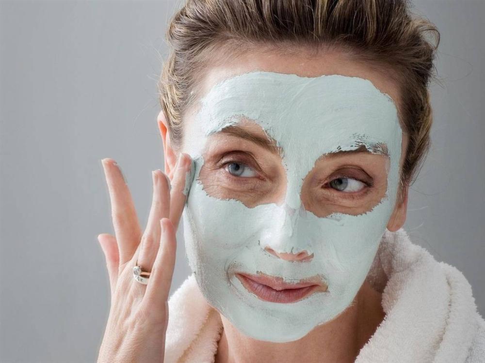 Học ngay cách chăm sóc da dầu mụn đúng cách vào mùa đông-6