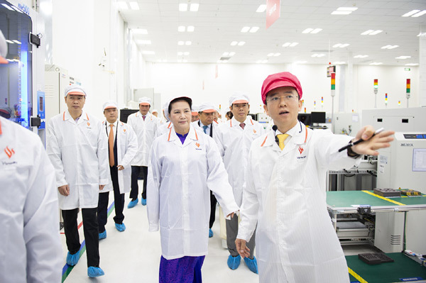 VinSmart khánh thành tổ hợp nhà máy thiết bị điện tử thông minh-5