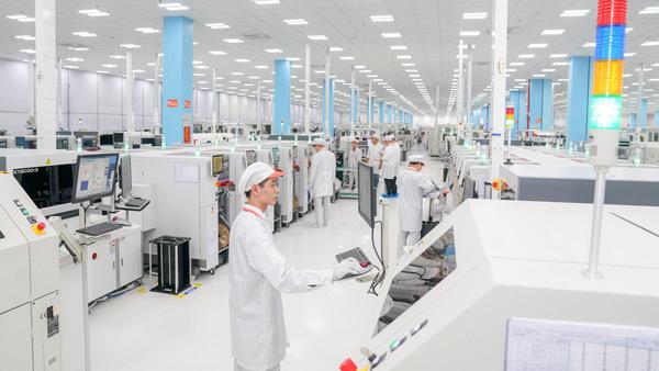 VinSmart khánh thành tổ hợp nhà máy thiết bị điện tử thông minh-8