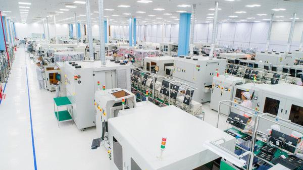 VinSmart khánh thành tổ hợp nhà máy thiết bị điện tử thông minh-9