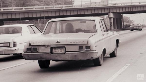 Bức ảnh ô tô chạy trên đường gây rùng mình với chi tiết bàn tay thò ra khỏi cốp xe hé lộ ý định giết người diệt khẩu của 3 kẻ ác-4