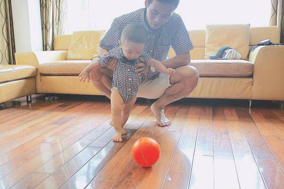 Ông bố bỉm sữa quốc dân gọi tên dàn cầu thủ Việt Nam: Giặt giũ, tắm gội, cho con ngủ anh cân tất!-15